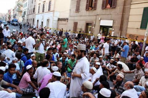 Manifestazione a Torpignattara in seguito all'assassinio di Khan Muhammad Shahzad