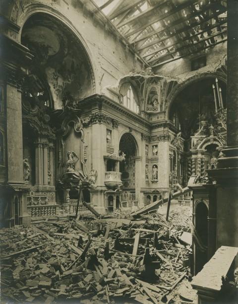 Tommaso Filippi, Venezia. L'interno della Chiesa degli Scalzi in seguito al bombardamento austriaco, stampa alla gelatina, 24 ottobre 1915