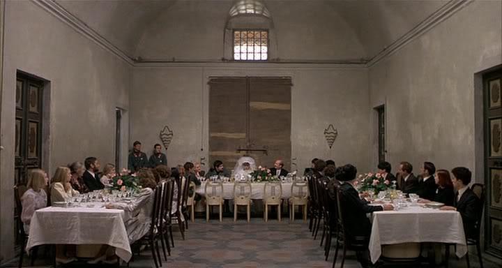 Pier Paolo Pasolini, Salò o le 120 giornate di Sodoma, scena del banchetto nuziale (1975)