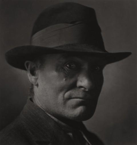 Emil Otto Hoppé, Out of Work, New York City,1921, USA, Vintage gelatin silver print, © E.O. Hoppé Estate Collection / Curatorial Assistance