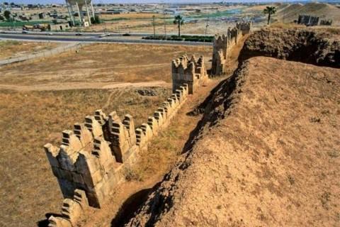 Mosul, le antiche mura di Ninive