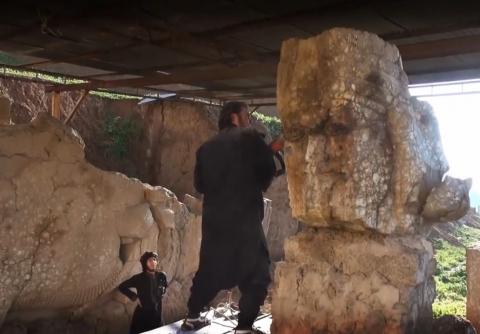 Statue distrutte a Mosul