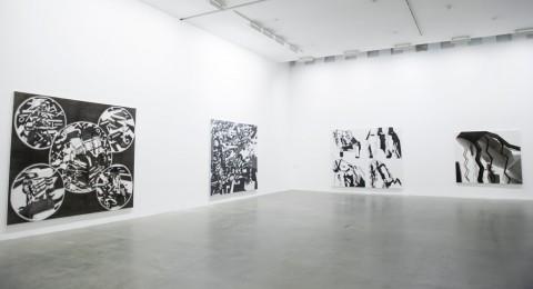 Avery Singer – Pictures Punish Words - veduta della mostra presso la Fondazione Sandretto, Torino 2015