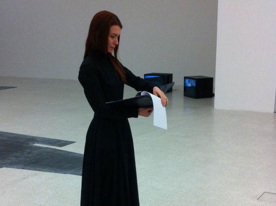 Chiara Fumai, Der Hexenhammer, 2015 - preparazione della performance presso Museion, Bolzano 2015
