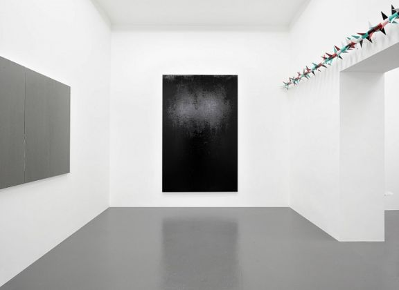 Claire Fontaine, Untitled (Fresh Monochromes) e Untitled (Rotary spike) - courtesy of the artist and T293, Napoli-Roma - photo Roberto Apa