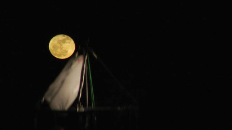 Driant Zeneli, Some Say the Moon is Easy to Touch..., 2011 - still da video - courtesy the artist and prometeogallery di Ida Pisani, Milano-Lucca