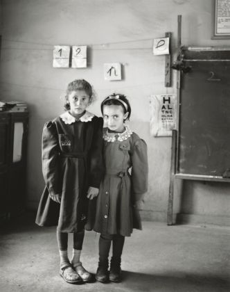 Senza titolo, dalla serie Sweet Nothings. Schoolgirls of Eastern Anatolia, 2008-2010 © Vanessa Winship