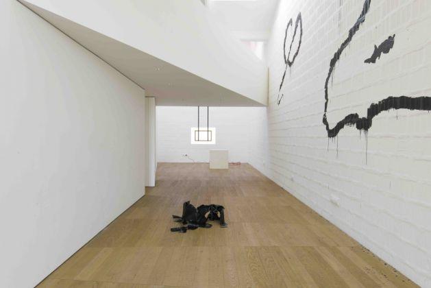 Rebecca Moccia, Sempre più di questo, installation view, 2015, courtesy l'artista e Galleria Massimodeluca