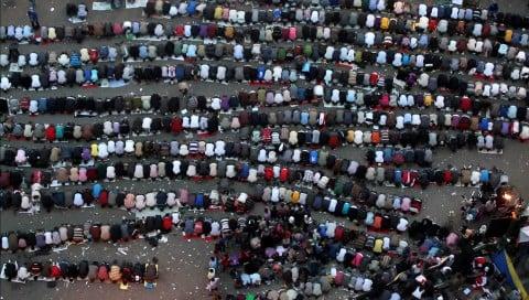 Jasmina Metwaly, Remarks on a Square, Medan Version, 2012, Video still Courtesy Jasmina Metwaly