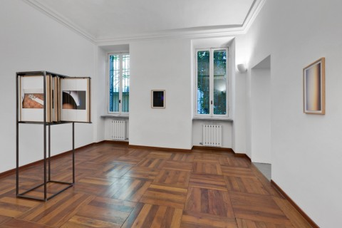 Eva Frapiccini - Selective Memory - Selective Amnesia - veduta della mostra presso la Galleria Alberto Peola, Torino 2015 - photo Cristina Leoncini