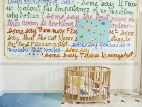 Andy Warhol sul comò - veduta della mostra presso Villa Croce, Genova 2015