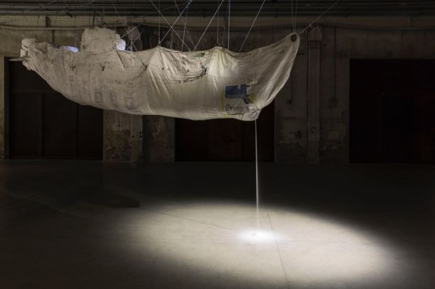 Damián Ortega, Hollow-Stuffed. Market law, 2012 - photo Agostino Osio - Courtesy Fondazione HangarBicocca, Milano