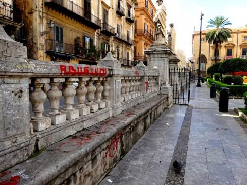 Vandalismi per la Cattedrale di Palermo - foto Mobilita.org