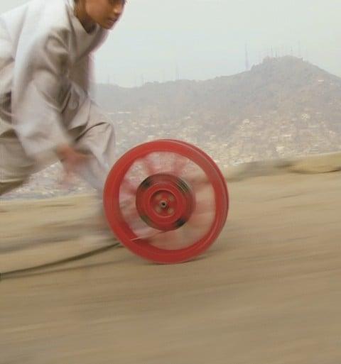 Francis Alÿs, Reel-Unreel, 2011 – in collaborazione con Julien Devaux e Ajmal Maiwandi – still da video
