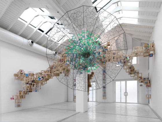 Jacob Hashimoto, Never Comes Tomorrow, 2015 - Courtesy Studio la Città - photo Michele Alberto Sereni