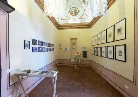 Ksenya Sorokina – Encyclopedia dei miracoli - veduta della mostra presso Bibo's Place, Todi 2015