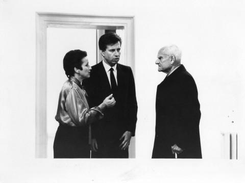 Dora Stiefelmeier, Mario Pieroni e Alberto Moravia in occasione dell'inaugurazione della mostra di Gilbert & George, Galleria Pieroni, Roma, 1984 – photo Enrica Scalfari