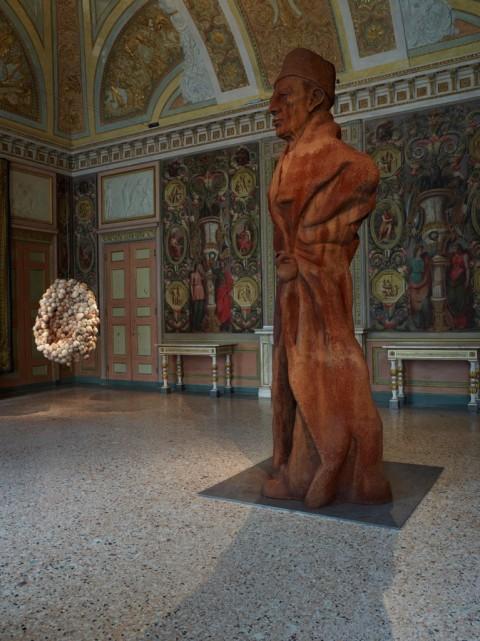 La Grande Madre (Lucas, Schütte) - veduta della mostra presso Palazzo Reale, Milano 2015 - photo Marco De Scalzi - Courtesy Fondazione Nicola Trussardi, Milano