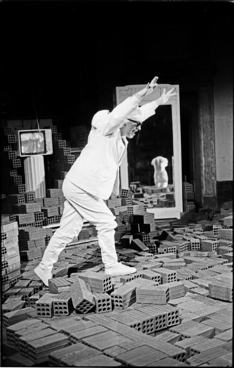 Gianni Colosimo in Il profumo dell'invisibile, 1987 - photo Paolo Pellion