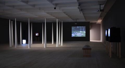 Joan Jonas – Light Time Tales - veduta della mostra presso la Malmö Konsthall, 2015