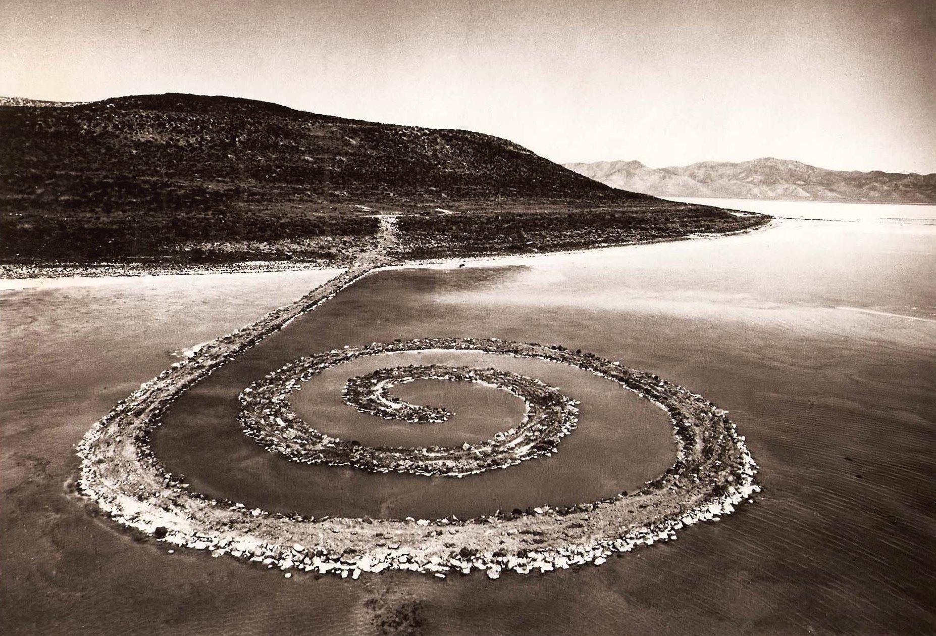 Robert Smithson, Spiral Jetty, 1970 - Gianfranco Gorgoni