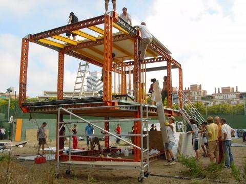 Santiago Cirugeda /recetas urbanas, Poblenou (2005)