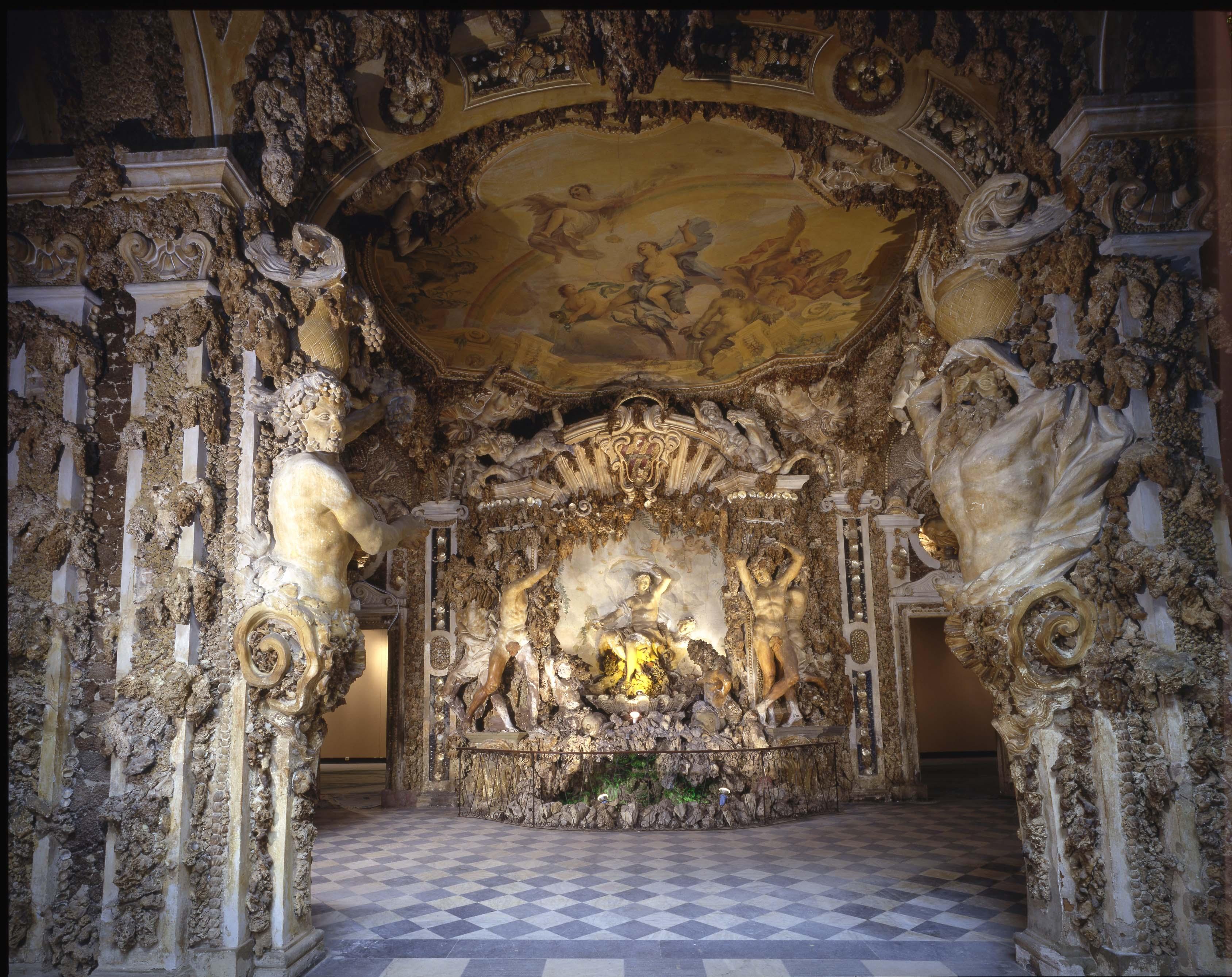 https://www.artribune.com/wp-content/uploads/2015/09/Veduta-della-Grotta-in-un-cortile-interno-di-Palazzo-Corsini.jpg