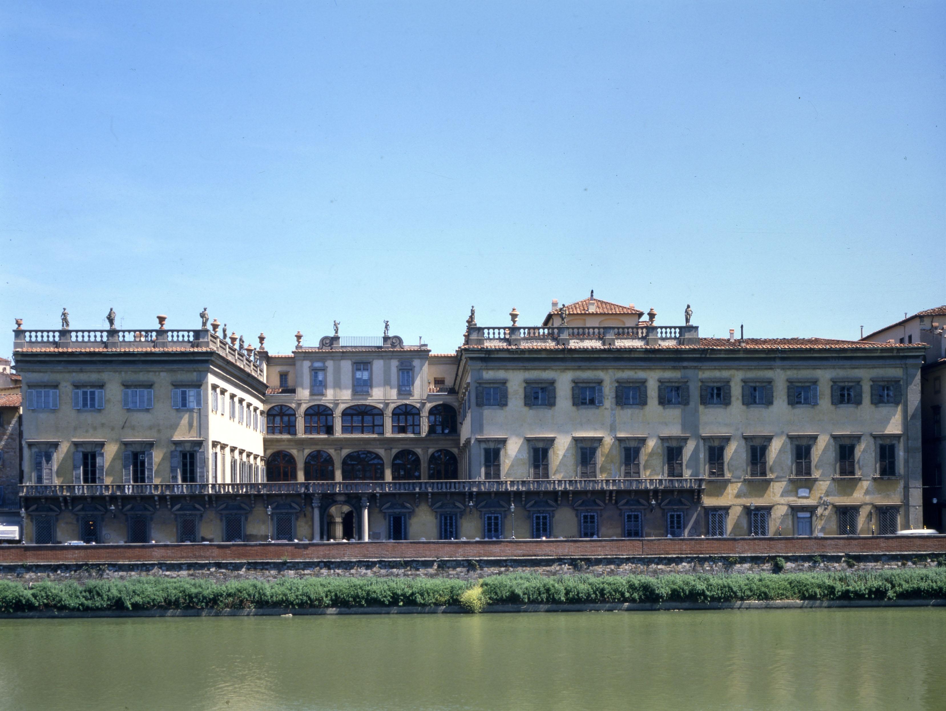 https://www.artribune.com/wp-content/uploads/2015/09/Veduta-dinsieme-di-Palazzo-Corsini.jpg
