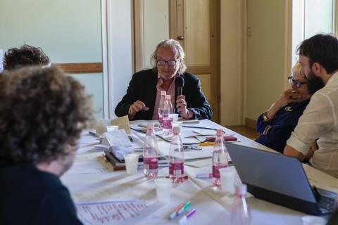 Pier Luigi Tazzi, Tavolo Le istituzioni saranno spazi di discussione e di pensiero, Monash University, Foto di Serena Gallorini