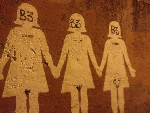 Roma, il murale contro il femminicidio vandalizzato