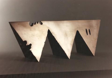 Una scultura di Kengiro Azuma