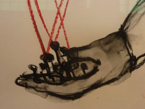 Chiharu Shiota – Follow the Line - veduta della mostra presso l'Istituto Giapponese di Cultura, Roma 2015