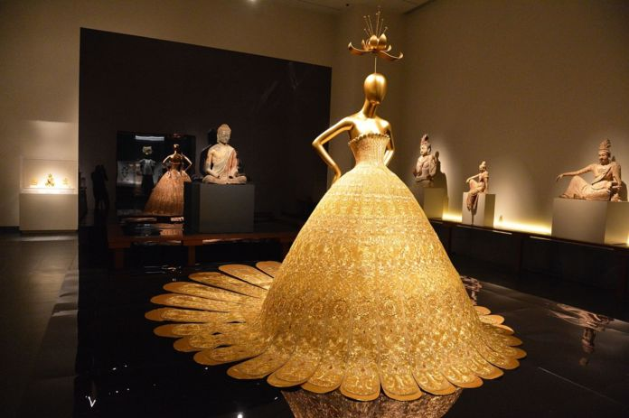 China. Through the Looking Glass - MET Museum, New York 2015