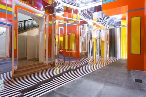 Daniel Buren, Axer - Désaxer, Madre, Napoli 2015 - courtesy Fondazione Donnaregina per le arti contemporanee, Napoli - photo © Amedeo Benestante