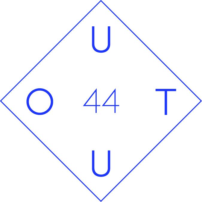 Il logo del collettivo OUT44