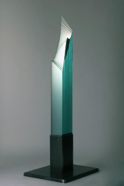 Oki Izumi, Water signal, 2001, vetro ferro, 65x55x173 cm