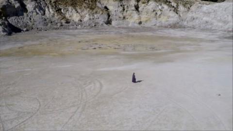 Poka-Yio, sulfur, 2015 – still da video - courtesy l'artista