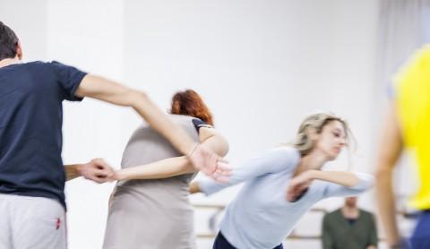 Alessandro Sciarroni per il Balletto di Roma, TURNING | Symphony of Sorrowful Songs, Festival Romaeuropa 2015. Foto di Matteo Carratoni