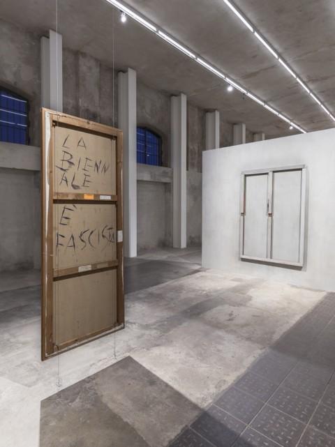 Recto Verso - Fondazione Prada, Milano 2015 - photo Delfino Sisto Legnani Studio - Courtesy Fondazione Prada - Gastone Novelli (sx) e Pierre Buraglio (dx)
