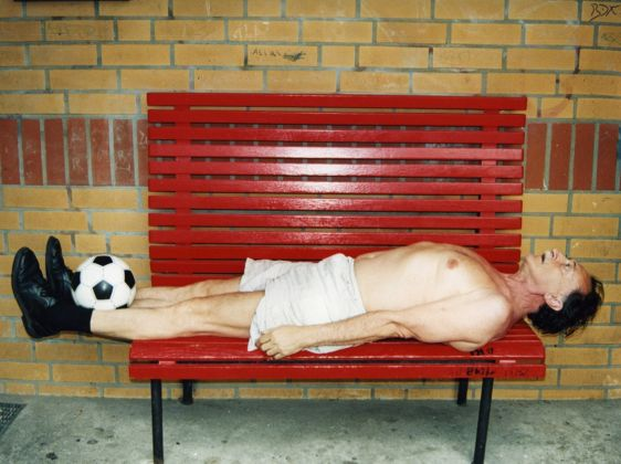 Boris Mikhailov, Football, 2000 - Courtesy l'artista, photo © Boris Mikhailov, Barbara Weiss Gallery