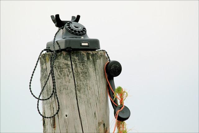 Un vecchio telefono a ghiera