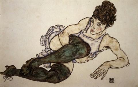 Egon Schiele, Sich zurücklehnende Frau mit grünen Strümpfen 1917 ©Courtesy Galerie St. Etienne, New York