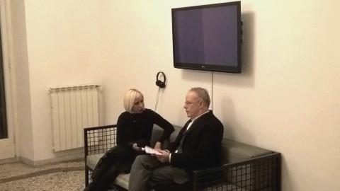 Hans Ulrich Obrist intervistato da Karolina Liusikova nella sede di RAM