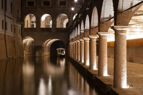 La nuova illuminazione delle Pescherie di Giulio Romano a Mantova (foto Gaia Cambiaggi)
