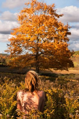Ryan McGinley, Big Leaf Maple, 2015 - Courtesy l'artista e Team Gallery