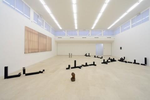 Teoria ingenua degli insiemi - installation view at P420, Bologna 2016 - photo Michele Sereni