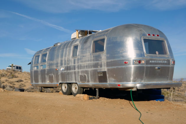 Ubiquity Land - Airstream - Pascale Goldenstein