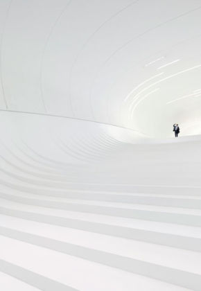 Zaha Hadid, Heydar Aliyev Center, Baku 2012 – photo © Hufton + Crow, 2014