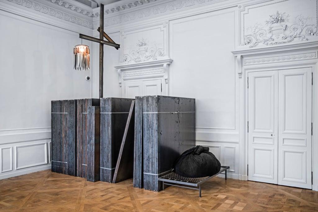 Jannis Kounellis - Brut(e) - installation view at La Monnaie de Paris, Parigi 2016 - photo Manolis Baboussis - © Monnaie de Paris, 2016 - courtesy l'artista