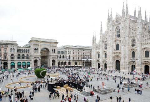 La Mela in Piazza Duomo